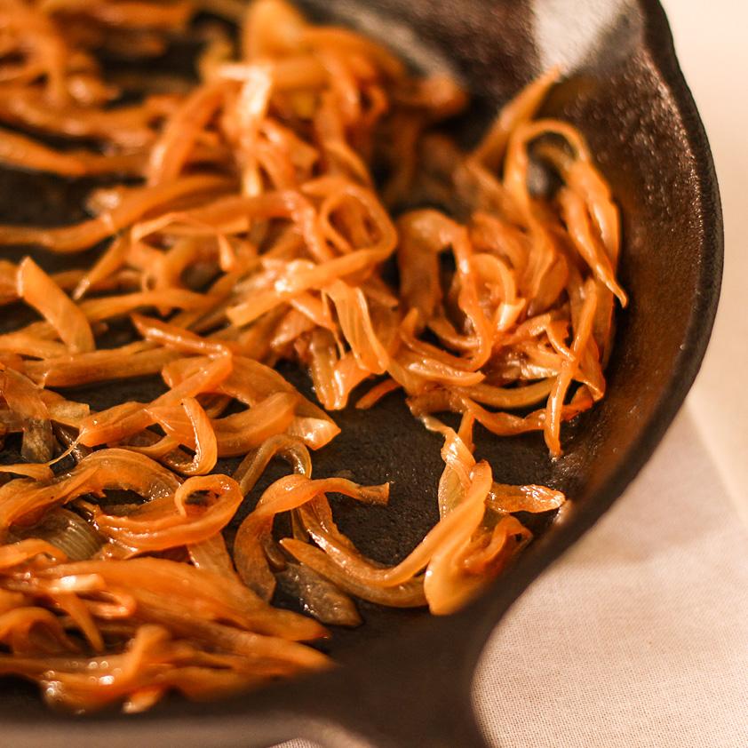 <p>伝統的に、あめ色玉ねぎは、その深い甘さを達成するためにゆっくりと長時間調理する必要があります。プルーン・コンク […]</p>