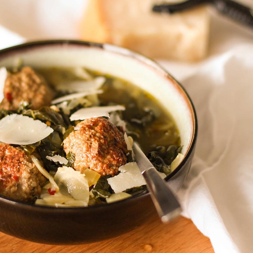 <p>プルーンピューレを使ったローストチキンミートボールの提供の仕方としては、野菜いっぱいの伝統的イタリアウェディン […]</p>