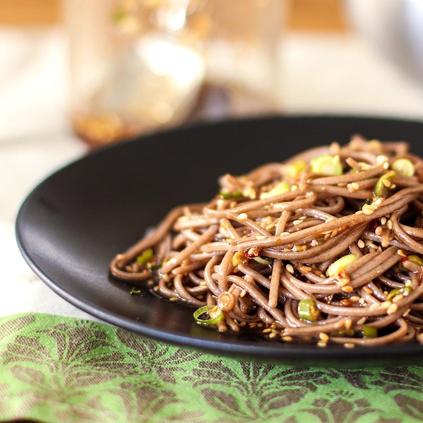<p>すりおろしショウガ、ゴマ油、ゴマで作る、このシンプルな大豆ビネグレットは、冷やし麺からアジア風のチキンサラダま […]</p>